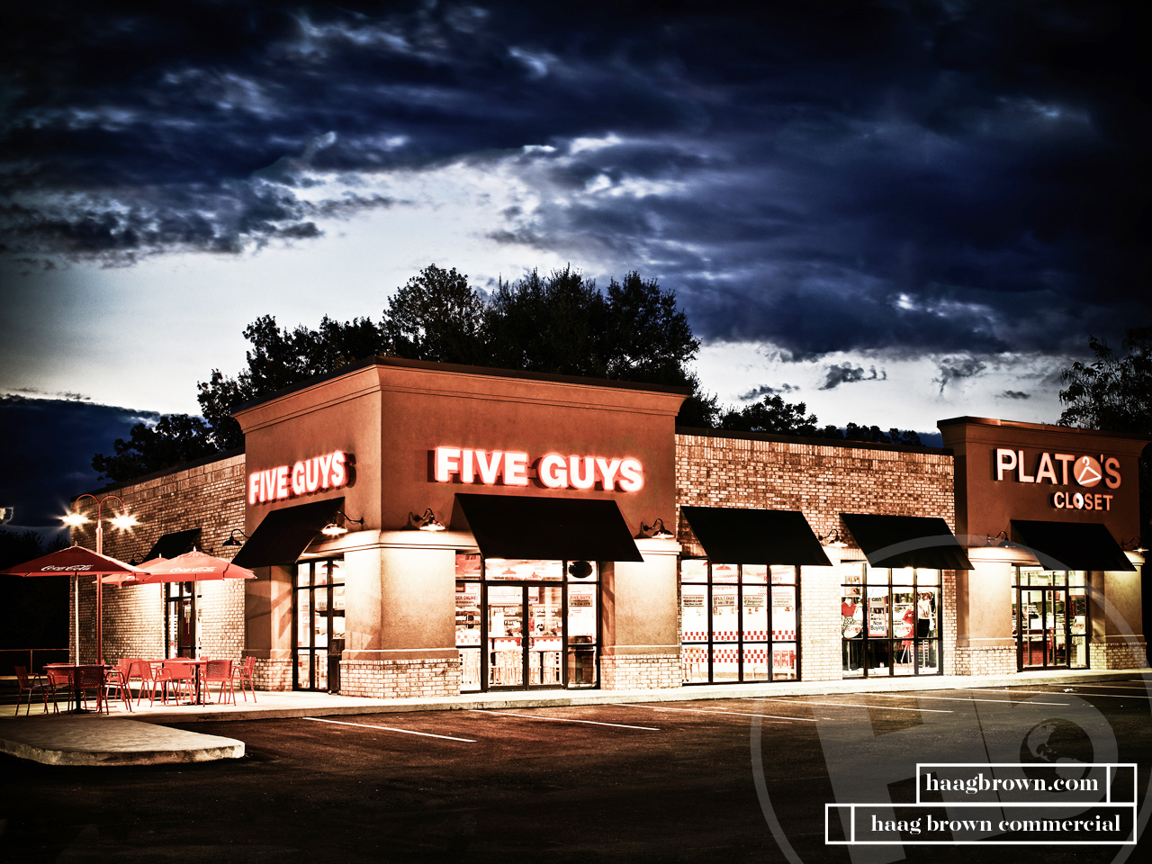 Five Guys & Platos in Jonesboro, AR